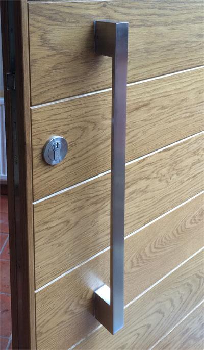 Contemporary front door hb54 bespoke doors and windows for Flat entry door design