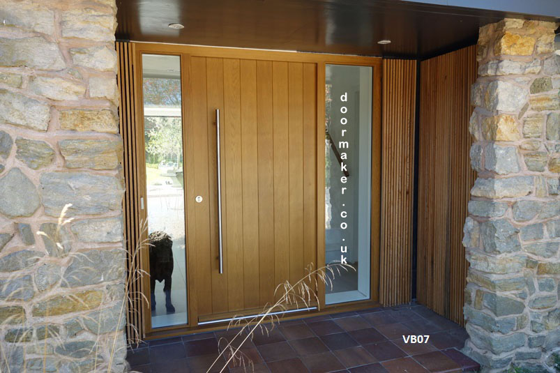 Contemporary oak door vb07 bespoke doors and windows for Large wooden front doors