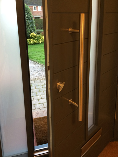 contemporary-grey-door-hb63-insideview