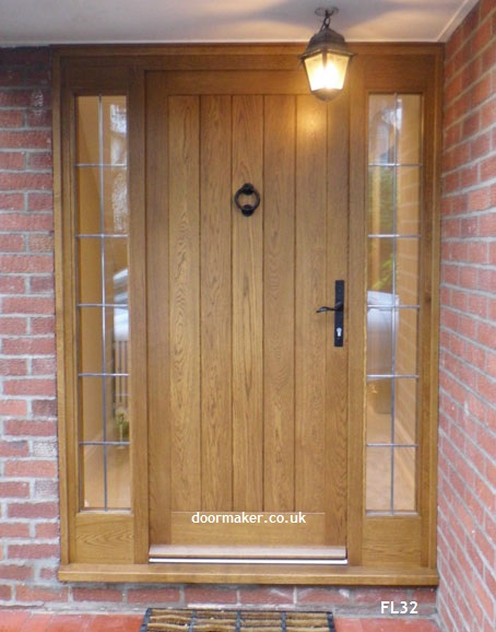 Cottage door sidelights fl32 bespoke doors and windows for Large wooden front doors